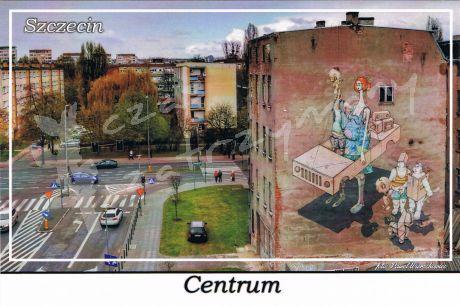 Szczecin. Centrum, budynek przy ulicy Malczewskiego z charakterystycznym, pełnościennym graffiti.